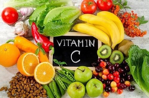 Vitamina C sau acidul ascorbic: ce este, beneficii si studii